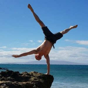 maui handstand 6 cropped square